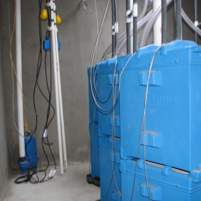 BioBarrier-HSMBR-modules-and-float-tree-with-recirc-pump-installed_sm1